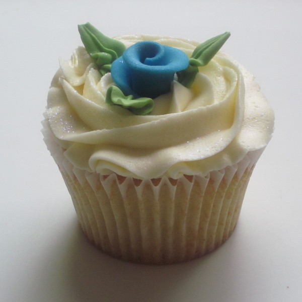 flower garden themed cupcakes
