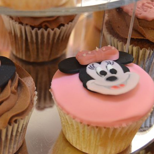 Mickey Amp Minnie Mouse Themed Cupcakes Neo Cakes