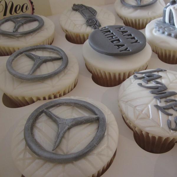 Mercedes Benz Amp Porsche Themed Cupcakes Neo Cakes